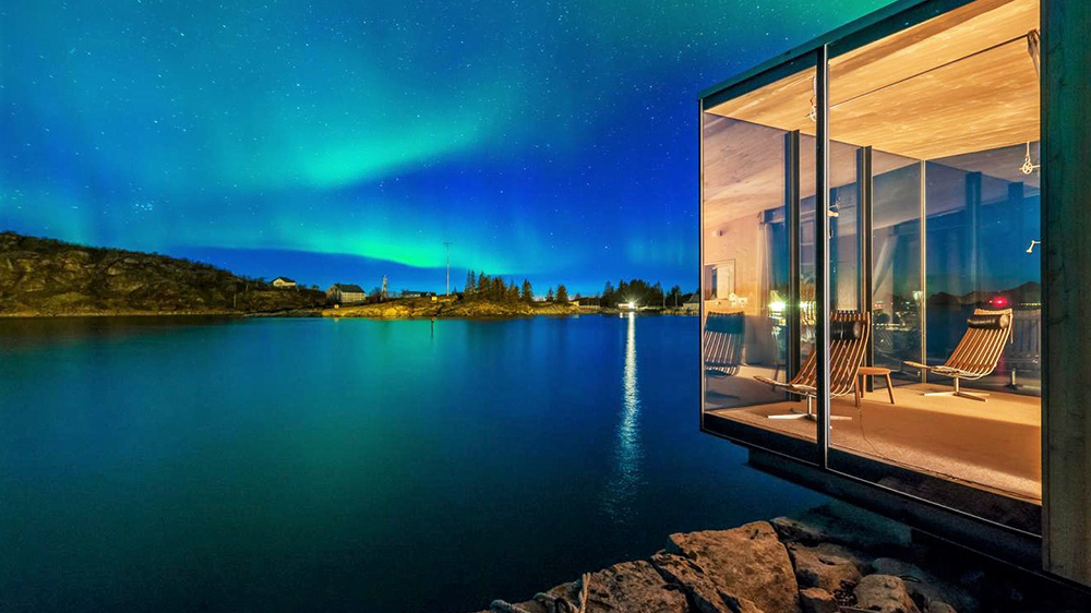 TOUR THE NORTHERN LIGHTS